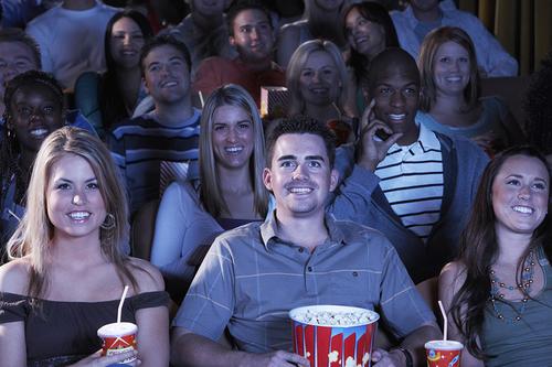 ママだってたまには映画が見たい♡赤ちゃんと一緒に楽しめる映画館のサービスをご紹介のタイトル画像