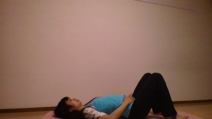 心も体もリラックス♪ヨガ呼吸瞑想で疲れをリセットしようの画像1