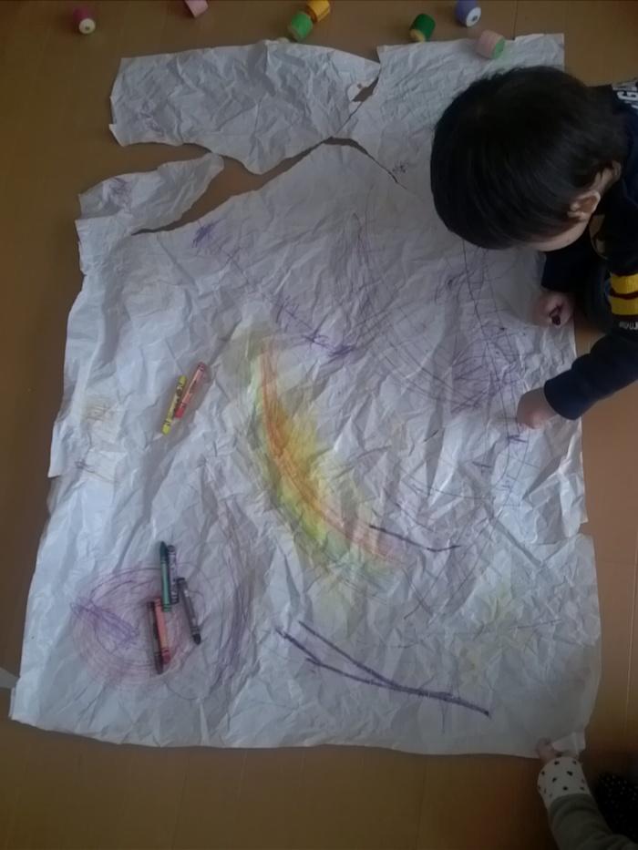 子どもの色彩感覚を豊かにするクレヨン遊びの画像3