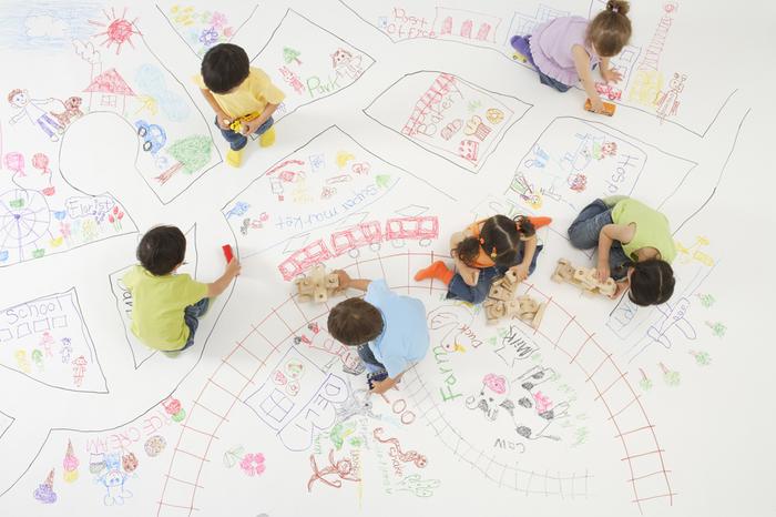 周りの子と一緒の遊びをしない我が子、親子の集いの場は不向き?の画像1
