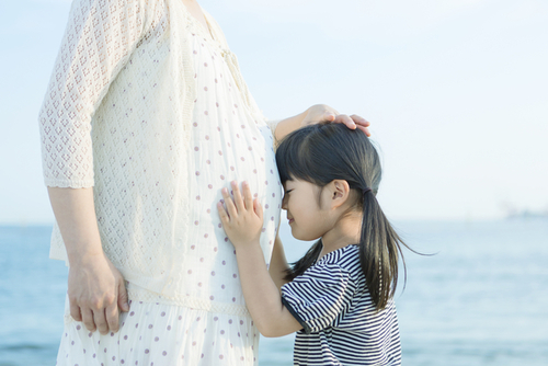 もうすぐお兄ちゃんお姉ちゃんになる子におすすめ♪赤ちゃんが生まれる時に親子で一緒に読みたい絵本4冊のタイトル画像