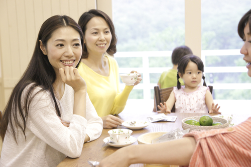 ママ友同士で持ち寄りパーティしよう!持ち寄りパーティーを気軽に楽しむための心得のタイトル画像