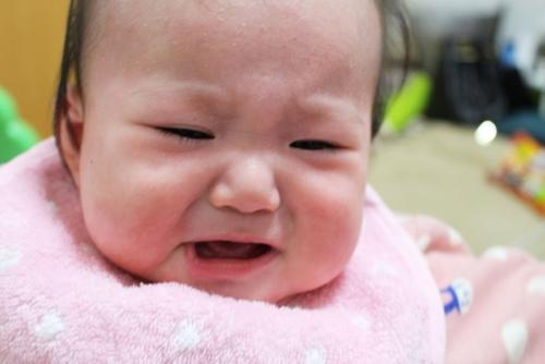 【体験談】赤ちゃんの夜泣きの原因は?息子の夜泣きに苦しんだ私がたどり着いた解決方法のタイトル画像