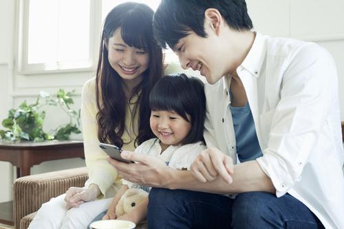 子育て中のスマートフォン使用どうしてますか?我が家流スマホルールをつくろう!のタイトル画像