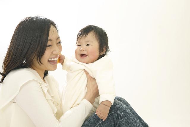上手に授乳をするポイント!ママも赤ちゃんもリラックスできる授乳ポジショニングを見つけようの画像2