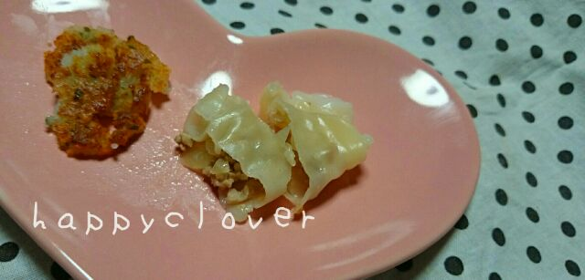 手づかみ食べにピッタリな離乳食3品!楽しく食べれて後片付けも楽ちん!の画像3