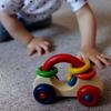 木のぬくもりを感じる知育玩具!ドイツ製のおすすめ木のおもちゃのタイトル画像