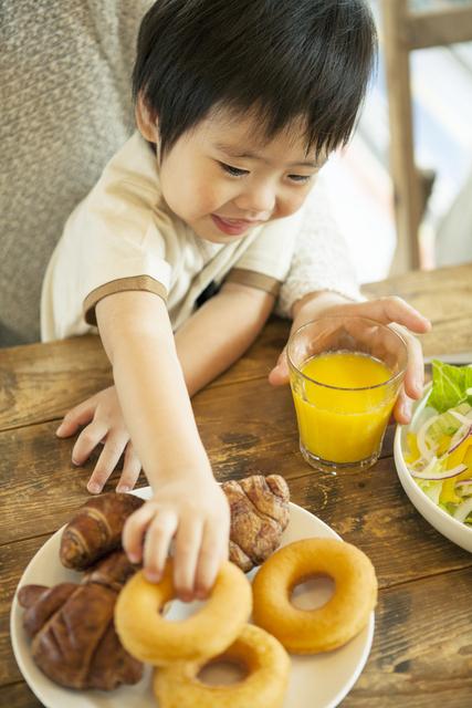 スーパーで「お菓子買って!」と子どもに泣かれないために私が実践している3つの工夫の画像1