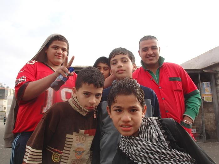 世界の学校を覗いてみよう!ヨルダン・パレスチナ難民の学校のエネルギッシュな子どもたちの画像2