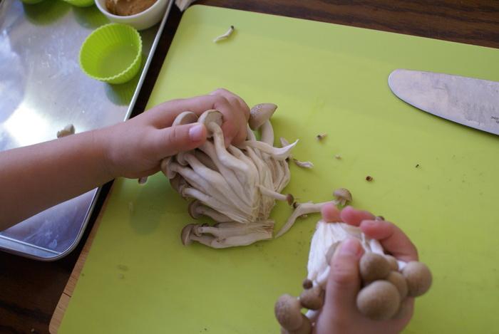 【2歳~3歳向け】子どもに料理を教える時、何から教えたら良いの?子どもと一緒に料理を始めてみようの画像1