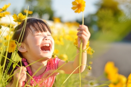 子どもの自己肯定感を育むために必要な3つのポイント「会話するときは●●を合わせる」のタイトル画像
