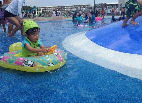 オムツの子でもOK!湘南エリアのおすすめ巨大プール2選のタイトル画像