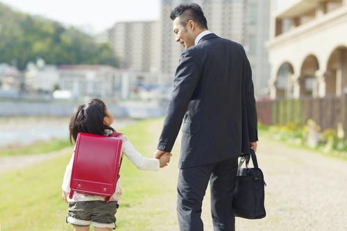 育児は1人で悩まないで!追い込まれる「父子家庭」のタイトル画像