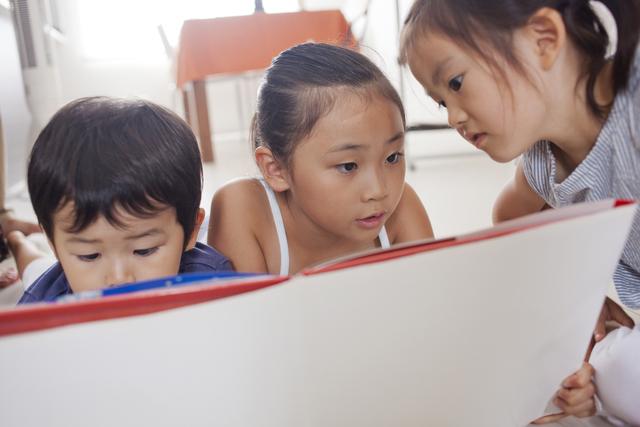 紙芝居を子どもの知育に!おすすめ作品と演じる時のポイントは?の画像1