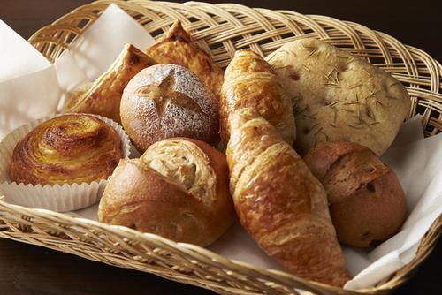 こねずにパンができる!?不器用ママでもできる手作りパンのタイトル画像