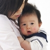 授乳中・育児中のママ必見!腰痛の原因と予防法とは?のタイトル画像