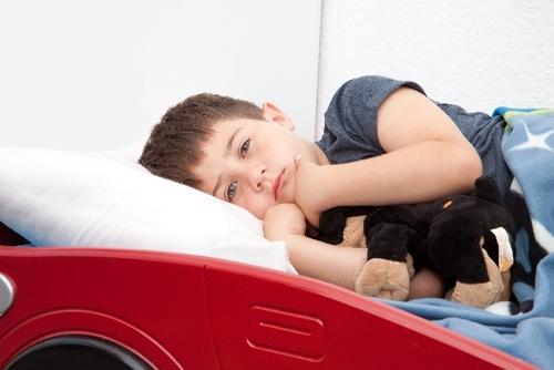 朝と夜だけ出るくしゃみと鼻詰まり、それってもしかしてハウスダストかも!息子が診断を受けた結果・・・のタイトル画像