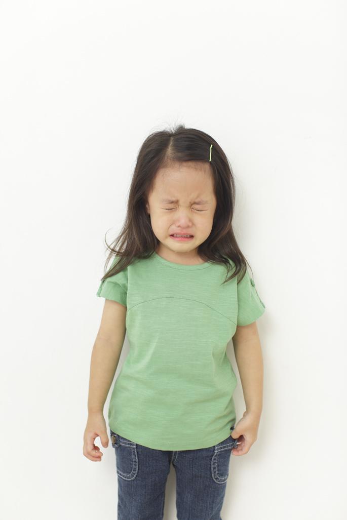 突然の娘の号泣とパパの叫び声に騒然・・・おもちゃが子どもの鼻の中に入ってしまって大騒動!の画像1