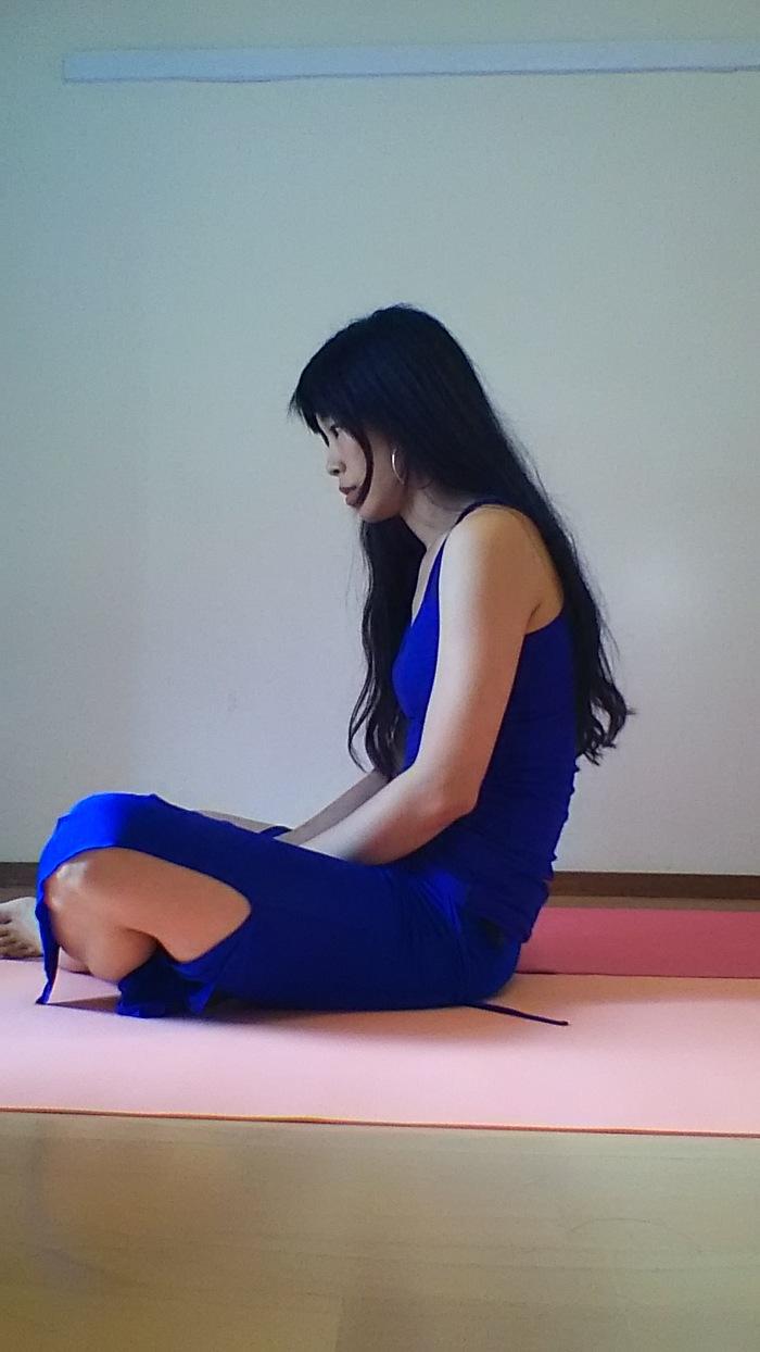 呼吸が苦しくなる姿勢があるって知っていますか?ストレスで息苦しくなった時にも使えるエクササイズの画像1