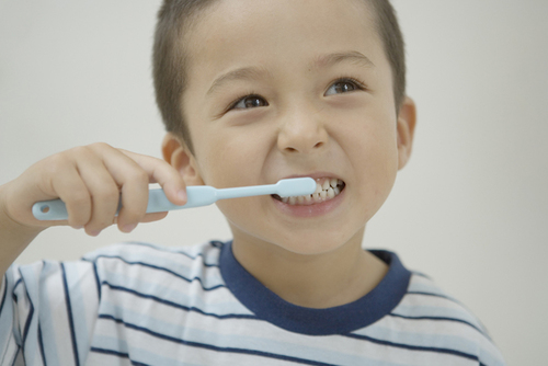 3歳まで虫歯菌に触れないなんてホントに可能?我が家が「虫歯菌対策」を諦めた理由のタイトル画像