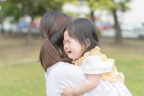 場所見知りとは?いつまで続く?赤ちゃんの場所見知りの原因や対策!のタイトル画像