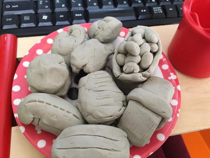 粘土遊びは子どもの脳が活性化する!?楽しく創造力を伸ばす、3つの魅力とは?の画像1