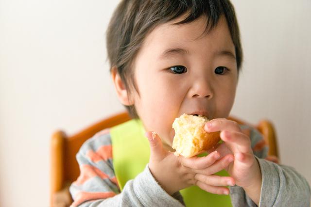 子どもの「遊び食べ」とは?いつまで続く?原因や対処法を解説の画像4