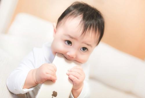 子育て家庭に!看護師が「洗えるスマホ」をオススメする理由のタイトル画像
