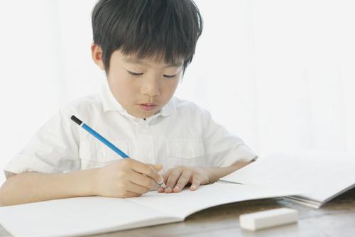 ひらがなは覚えなくていい?小学校入学前、家庭でやっておきたい3つのことのタイトル画像
