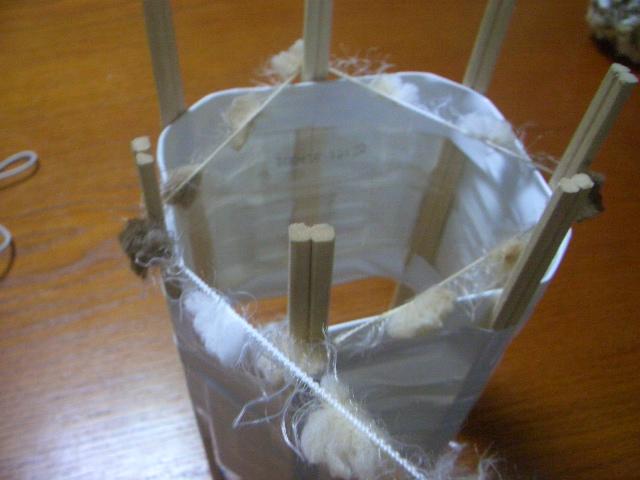 とっても簡単!ペットボトルでリリアン編みマフラーを作ろうの画像2