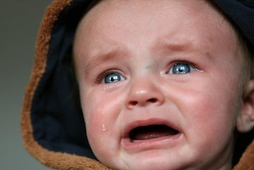 「よく泣く子」は、弱い子ではありませんのタイトル画像
