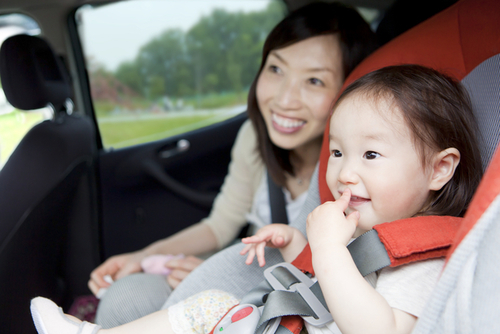 長時間ドライブでも子どもが飽きない遊び4選のタイトル画像