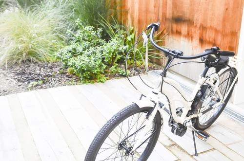 産後いつから自転車に乗ってOK?安静期間と自転車に乗る際の注意点まとめのタイトル画像