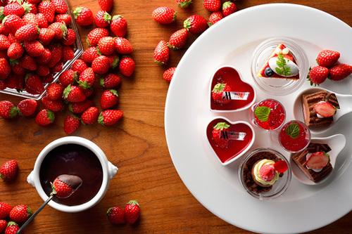 「苺×バレンタイン」は鉄板!?家族で出かけたい、苺スイーツ食べ放題をご紹介♪のタイトル画像