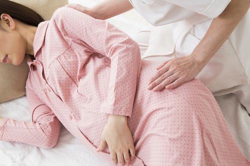 【医師監修】出産前の陣痛ってどんな痛み?マックスの痛みの体験談や緩和する方法のタイトル画像