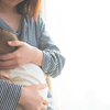 4時間連続授乳という事件も…母乳育児生活の、あのプレッシャーは本当に必要だったの?のタイトル画像