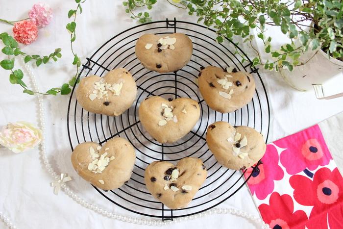みずみずしい旬の苺を手作りパンに!ふわふわミルキーいちごのハートパン♡の画像15