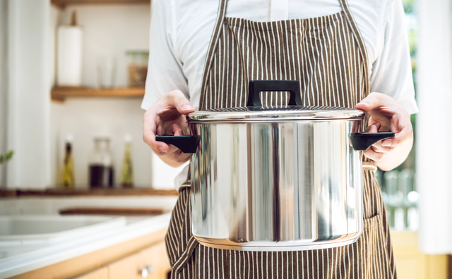 失敗しない煮洗いの方法をご紹介!鍋を使って黄ばみや臭いを撃退するやり方の画像2