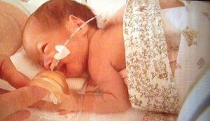 早産で生まれた赤ちゃんがNICUで使う「スナグル」。その意味を知っていますか?のタイトル画像