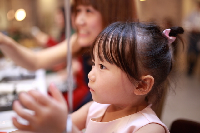 赤ちゃんを結婚式に連れていく際のマナーや注意点まとめ!持ち物は?服装は?泣いたらどうする?の画像11