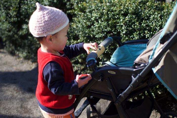 ベビーカー嫌いの娘が自ら乗った!簡単DIYおもちゃ「クルクルどうぶつハンドル」の威力がスゴいの画像1