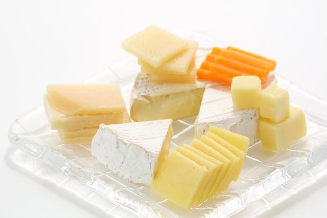離乳食にチーズはいつから使える?種類は?離乳食時期別おすすめレシピ9選の画像1