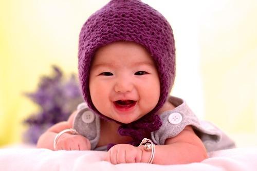 【生後5カ月】身長・体重・授乳間隔・ミルクの量・夜泣き対策・生活リズム・育児のポイントまとめのタイトル画像