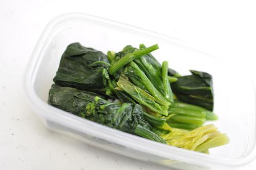 サラダにパンにグラタンに…常備菜「ほうれん草のおひたし」のアレンジレシピのタイトル画像