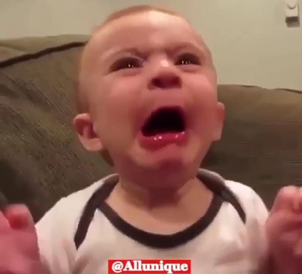 か、かわいすぎる…。疲れた時に観たいオススメ赤ちゃん動画の画像4