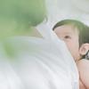 「母乳をだすことがこんなに大変だと知らなかった」鈴木おさむさんが、母乳育児を見守る中で感じたことのタイトル画像