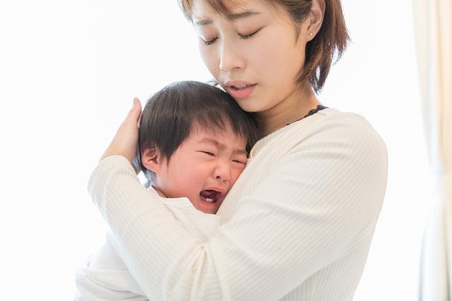 子どもは泣きわめいてる。でも抱っこなんてできない…くたくたに疲れてしまったママへの画像1