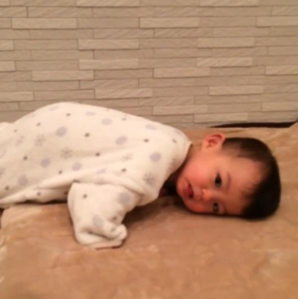 エナジードリンクより効果ありそう!!かわいい赤ちゃん動画まとめ[第1弾]の画像1