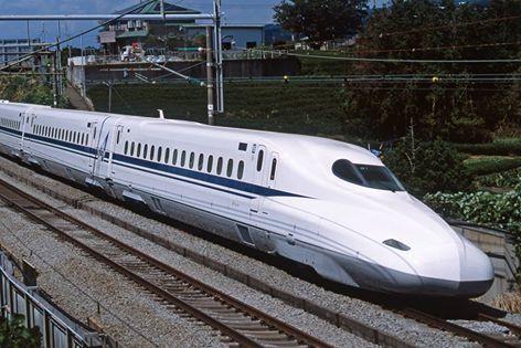 【保存版】子連れで新幹線旅行!何歳から乗れる?持ち物や楽しむコツは?の画像1