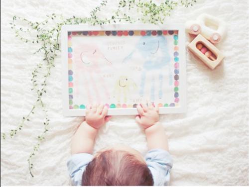 可愛い手形アート♡赤ちゃんの手形を上手に取れる、とっても簡単な方法とは?のタイトル画像